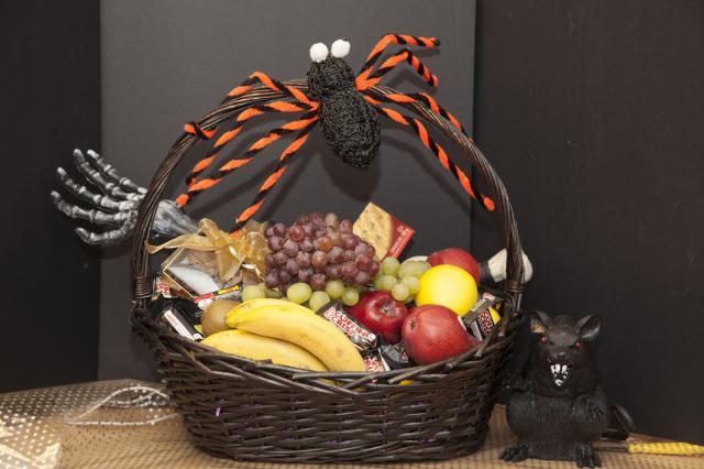 https://0901.nccdn.net/4_2/000/000/046/6ea/0g_gift_baskets_port_alberni-3133.jpg