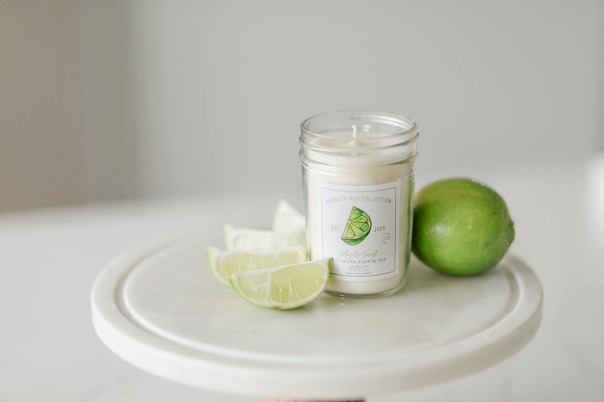 Mojito Twist A sunny citrus blend of kaffir lime, Italian bergamot and lemongrass mingled together with sprigs of fresh mint, bay leaf, anise and geranium.