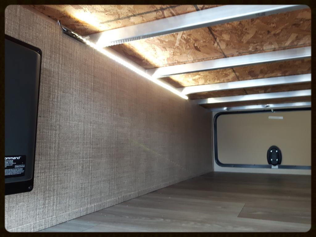 Coleman Light 2015BH storage