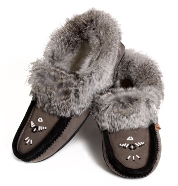 https://0901.nccdn.net/4_2/000/000/046/6ea/grey-and-balck-slippers-360x376.jpg