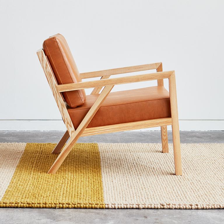 https://0901.nccdn.net/4_2/000/000/046/6ea/truss-chair---vegan-appleskin-leather-cognac---natural-ash---l01.jpg