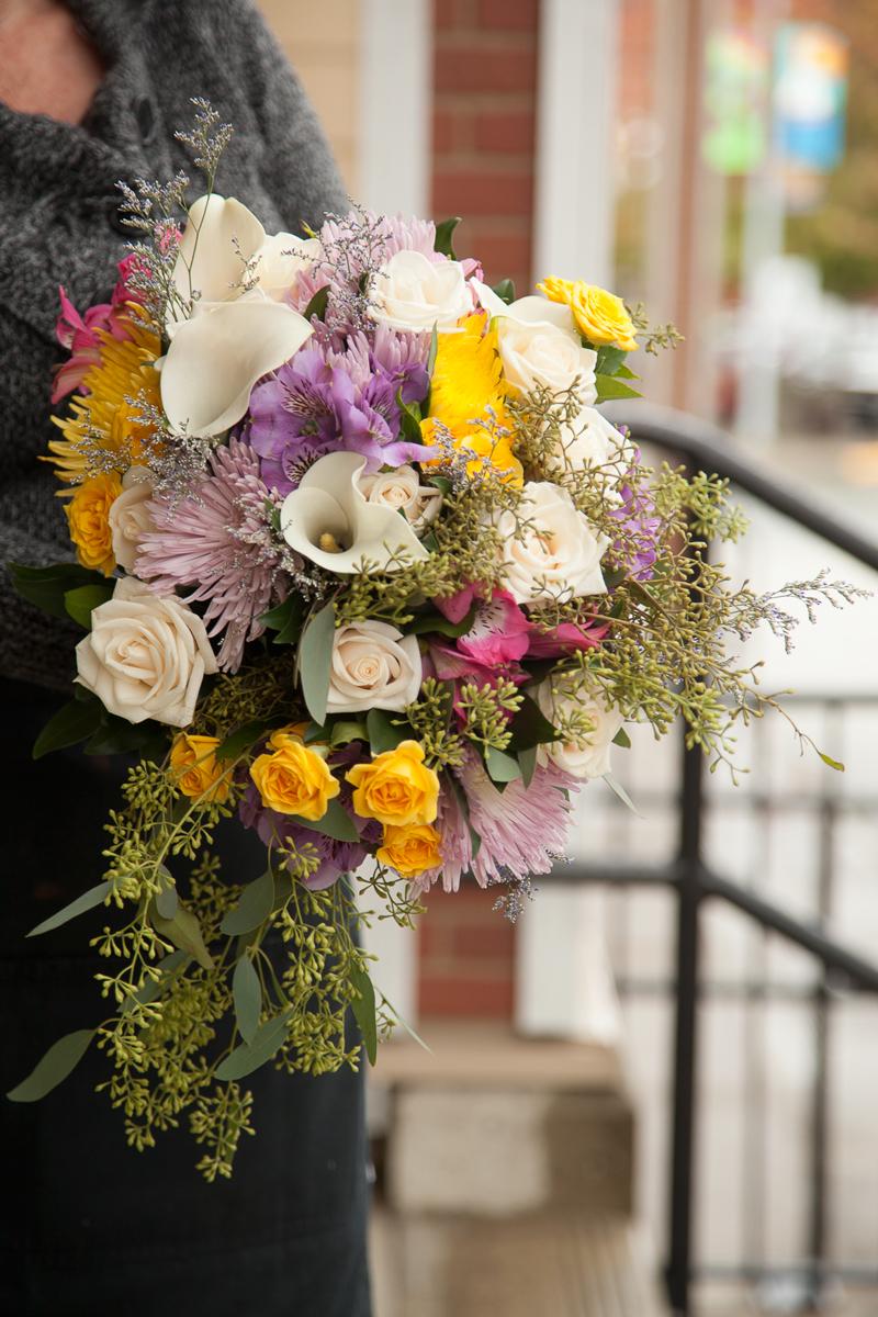 https://0901.nccdn.net/4_2/000/000/048/0a6/wedding_bridal_bouquet-8736.jpg