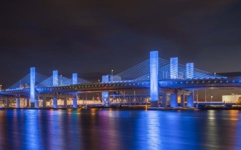 https://0901.nccdn.net/4_2/000/000/048/4f7/217_en_3c35b_14988_lumenpulse-pearl-harbor-bridge-1-web-480x300.jpg