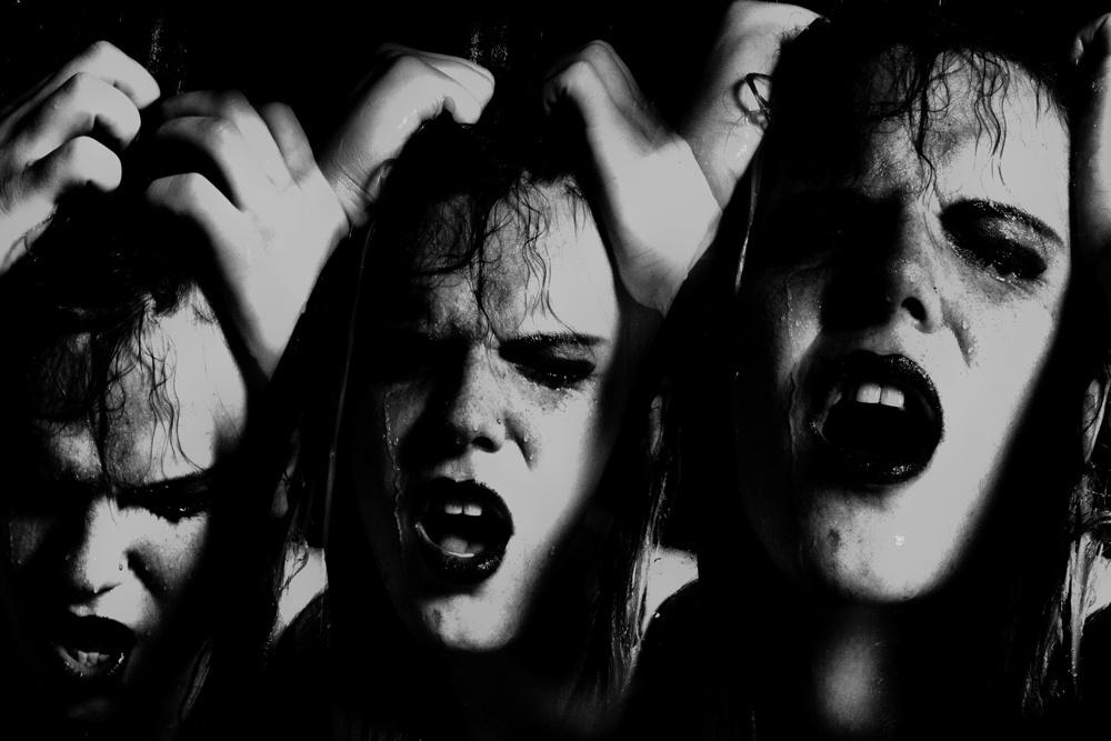 https://0901.nccdn.net/4_2/000/000/04b/787/Anguish-Triptych-1000x667.jpg