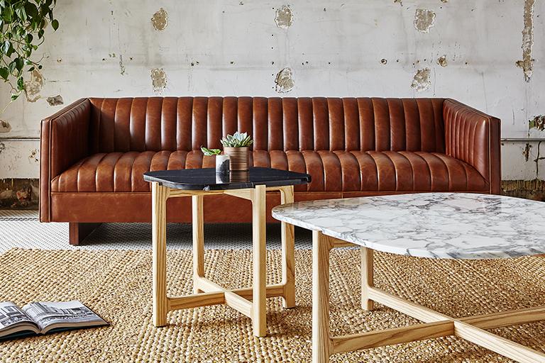 https://0901.nccdn.net/4_2/000/000/04b/787/wallace-sofa---saddle-brown-leather---l01.jpg