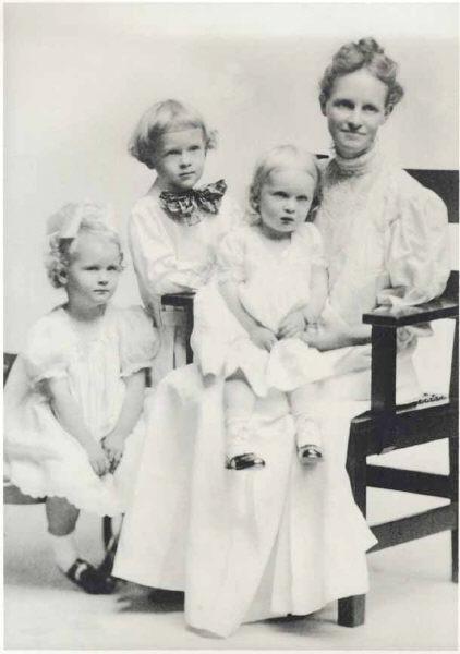 Carrie Saunders with Liz, Bob, Kath