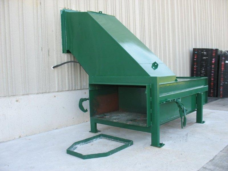 1500 Stationary Compactor with Side Feed