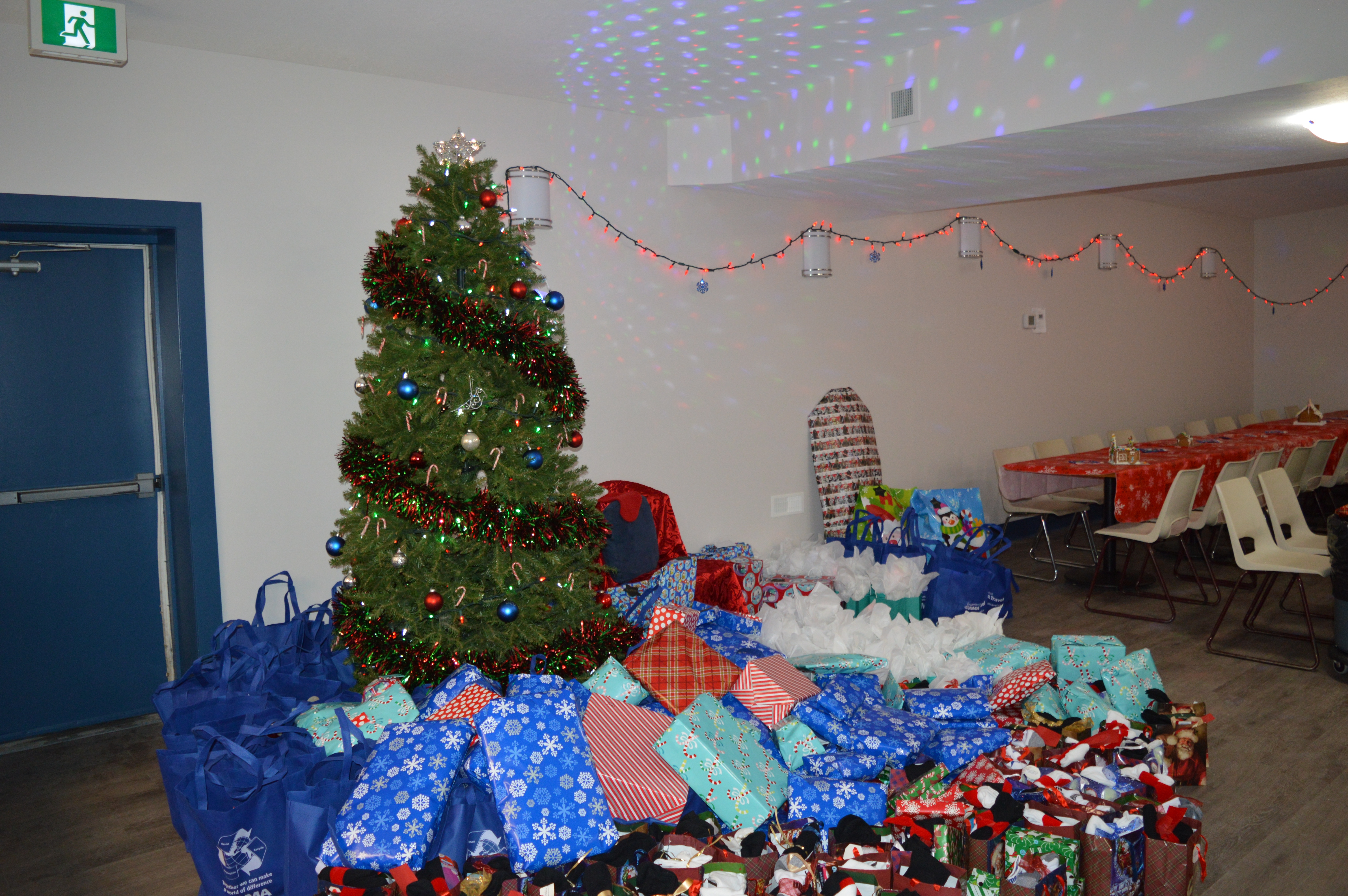 Thank you for all of the  donations, because of generous donors our Christmas party  was a  huge success!