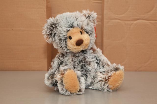 https://0901.nccdn.net/4_2/000/000/050/773/zb_port_alberni_stuffed_bears-4381.jpg