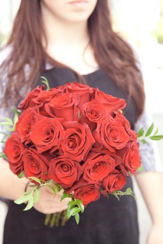 https://0901.nccdn.net/4_2/000/000/051/72c/bridal-bouquet-port-alberni-florist-0813a.jpg