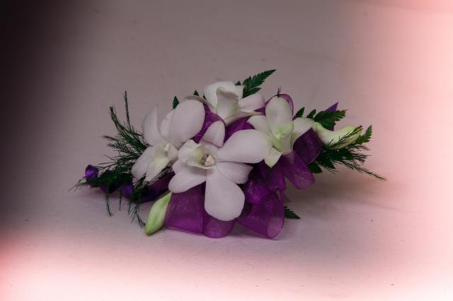 https://0901.nccdn.net/4_2/000/000/051/72c/grad-flowers-port-alberni.jpg