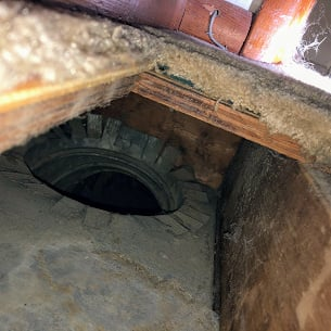 Today we found an open cold air vent in a mud crawlspace! Sanitizing your ventilation system from time to time!!!!