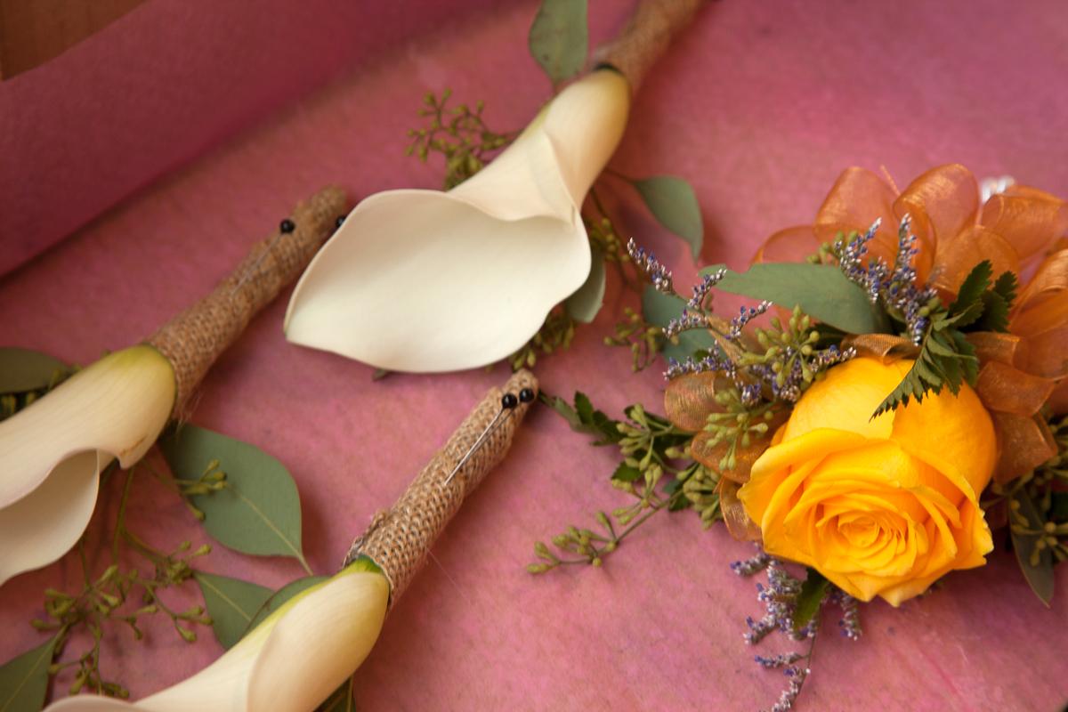 https://0901.nccdn.net/4_2/000/000/056/7dc/wedding_flowers-8685.jpg