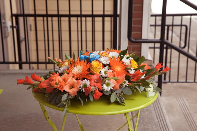 https://0901.nccdn.net/4_2/000/000/057/fca/wedding_flowers_pa14h.jpg