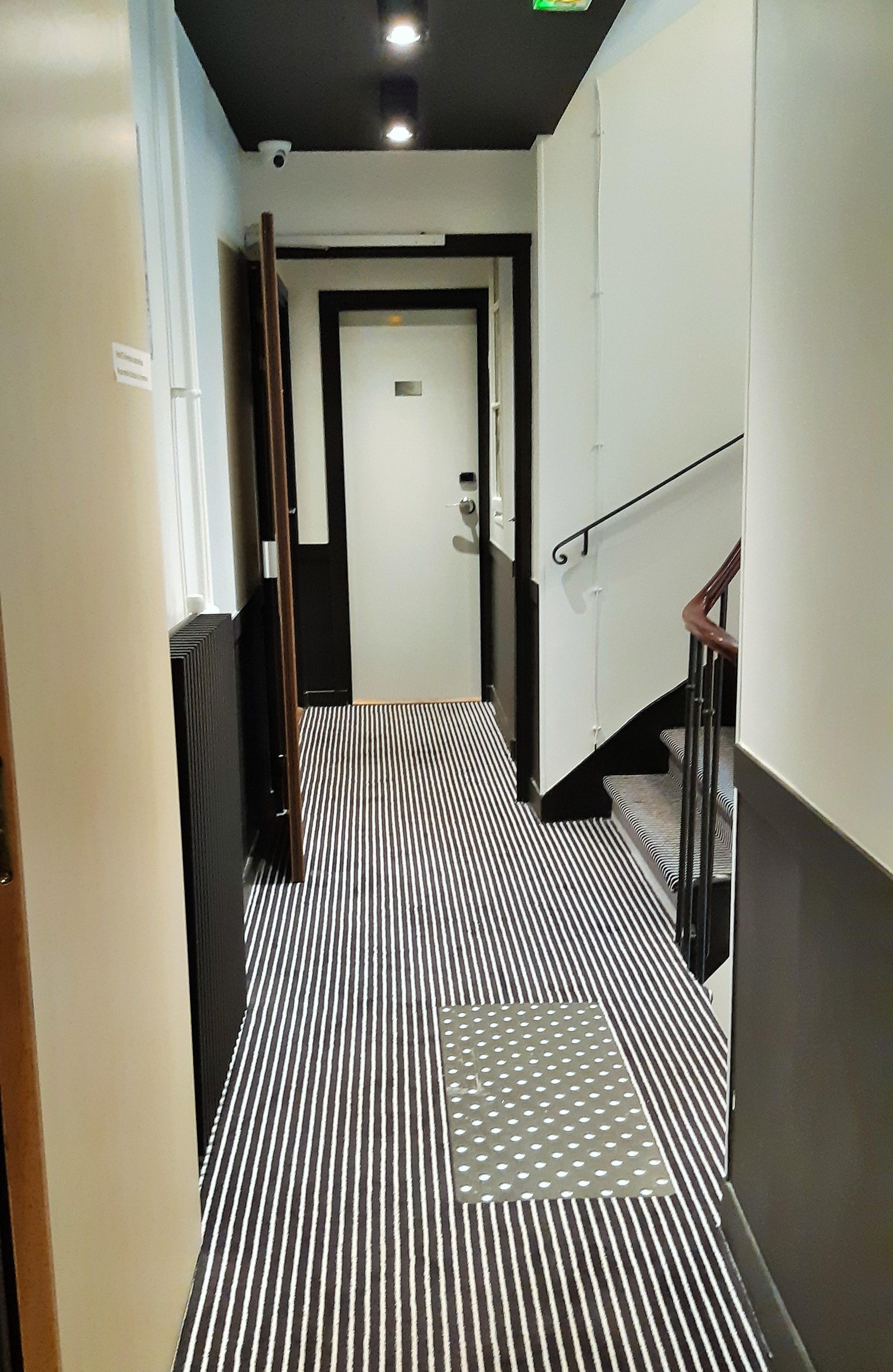 https://0901.nccdn.net/4_2/000/000/058/442/Hotel-Nouvel---4-2225x3419.jpg