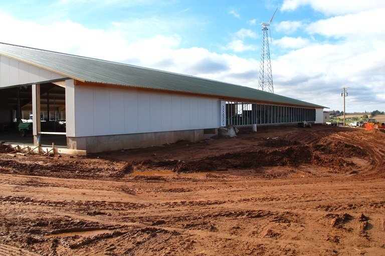 2014 PEI - Robot dairy barn