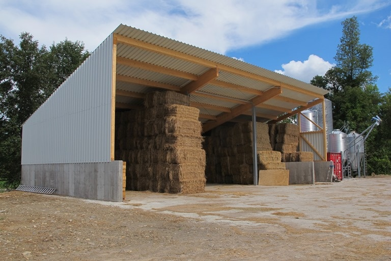 2014 Dundee - Hay storage shed