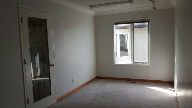 https://0901.nccdn.net/4_2/000/000/05a/a3f/Master-bedroom-opposite-end-666x375.jpg
