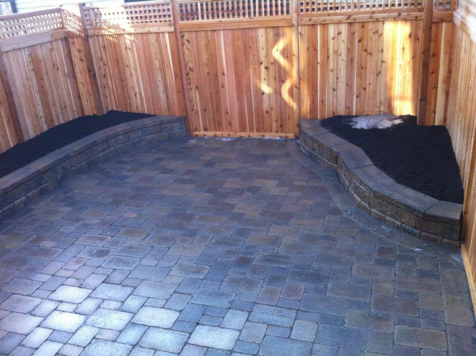 https://0901.nccdn.net/4_2/000/000/05a/a3f/small_backyard_finish-960x717.jpg