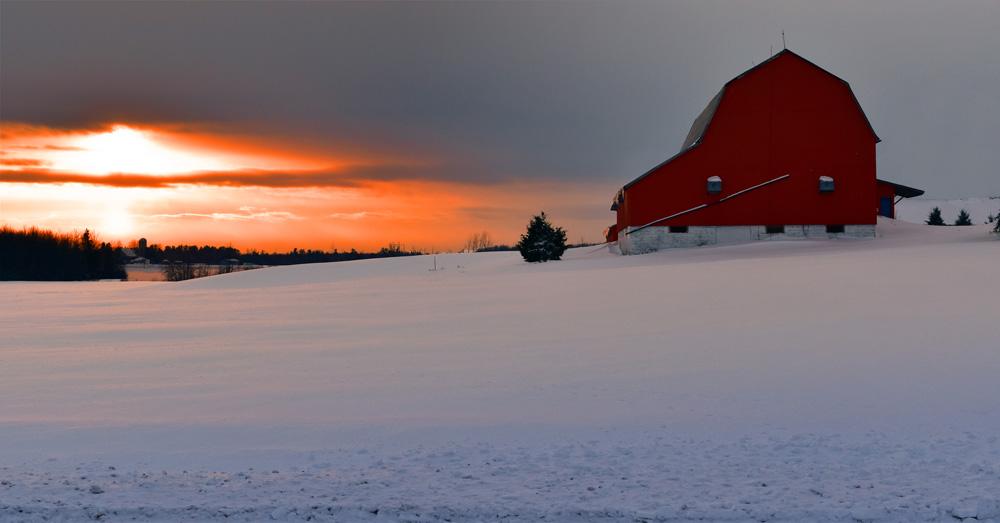 https://0901.nccdn.net/4_2/000/000/05c/240/sunset-barn.jpg