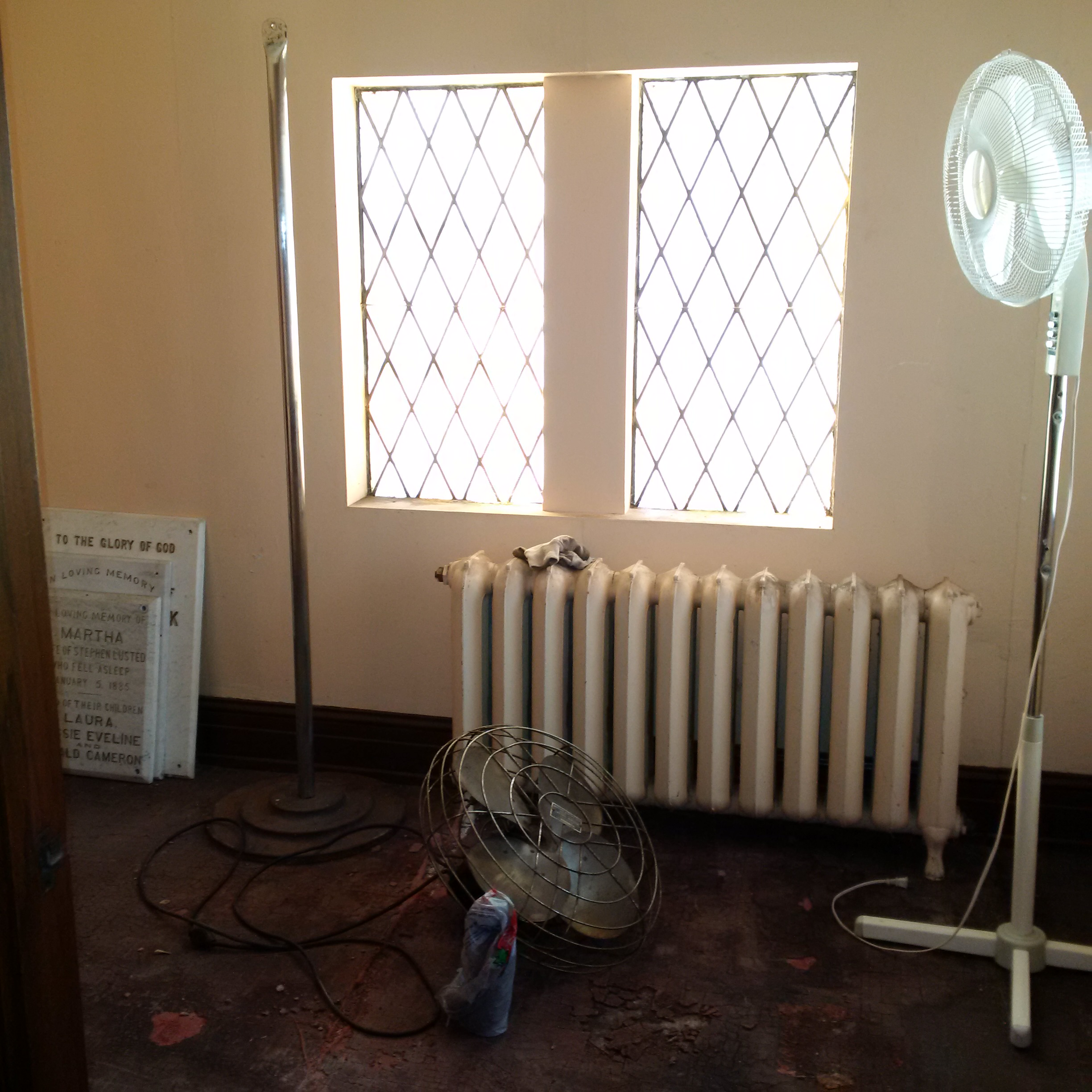 https://0901.nccdn.net/4_2/000/000/05c/c64/Prayer-Room-renovation9.jpg