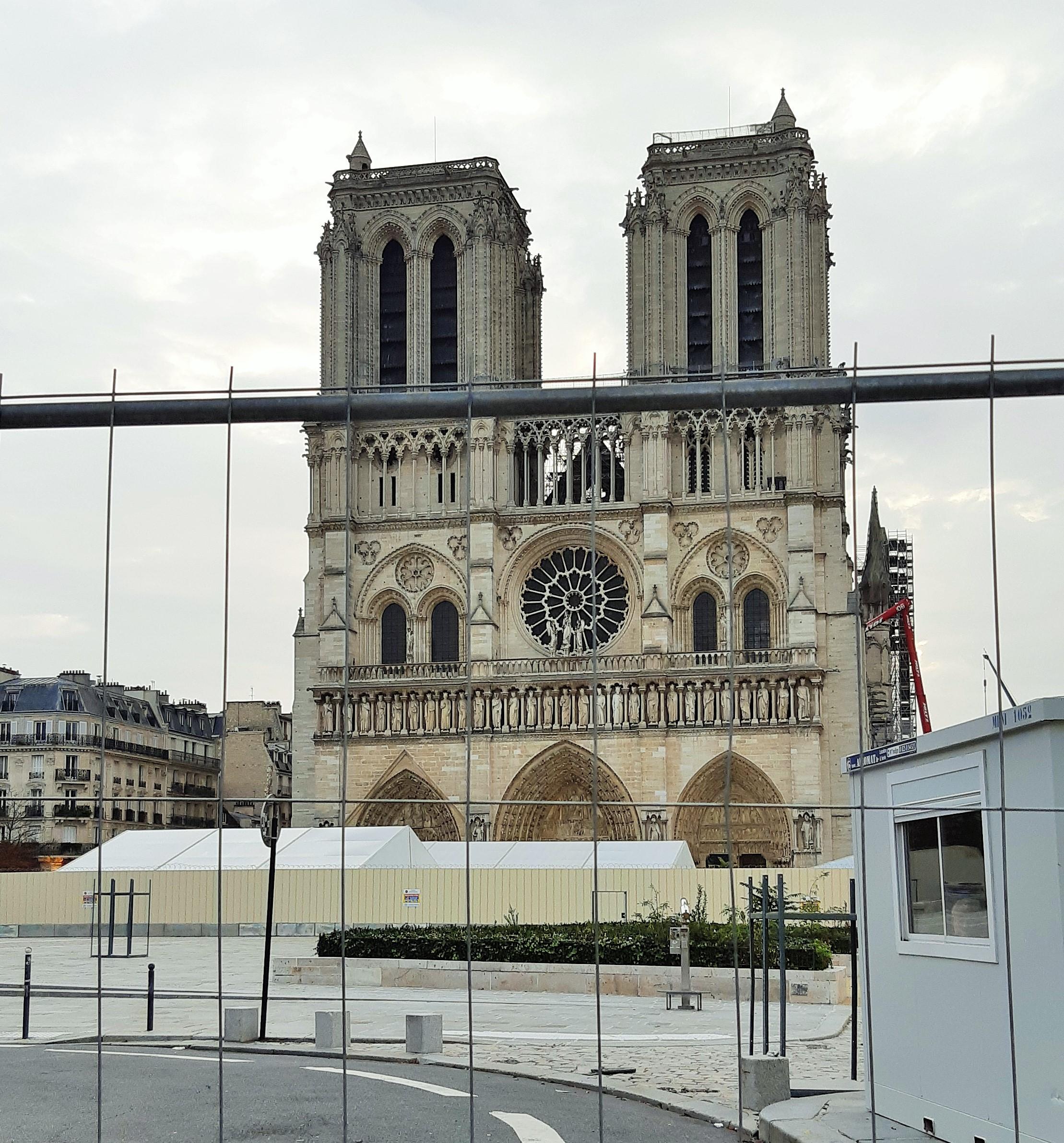 https://0901.nccdn.net/4_2/000/000/05e/0e7/Notre-Dame---2.jpg