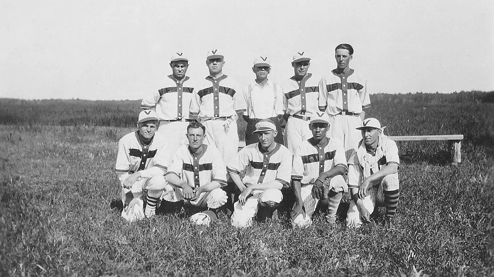 "Fort Vermilion mens Soft ball team of 1933. Back Row: CJ Kidd, Norman Henry, Joe Kemp, W.S. ""Bill""Carson, George Scott.  Front Row: Harry Borbridge, Bill Hill, Dr Harold Hamman, Manny Charles, Fred Dembiski.  1998.05.23.183 / Lamberton, Rev Hugh and Lillian"