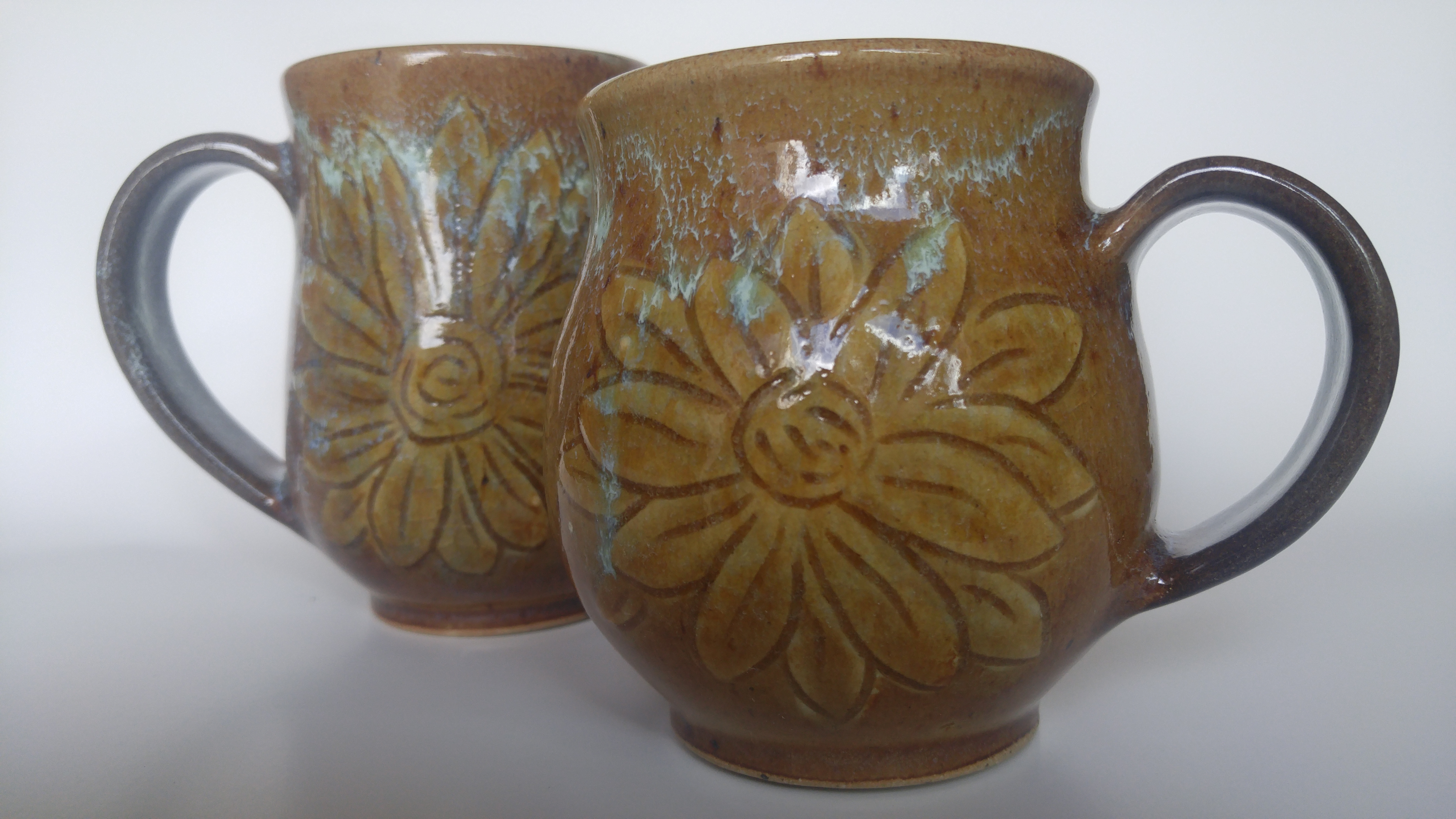 https://0901.nccdn.net/4_2/000/000/060/85f/Flower-Mugs-Small.png