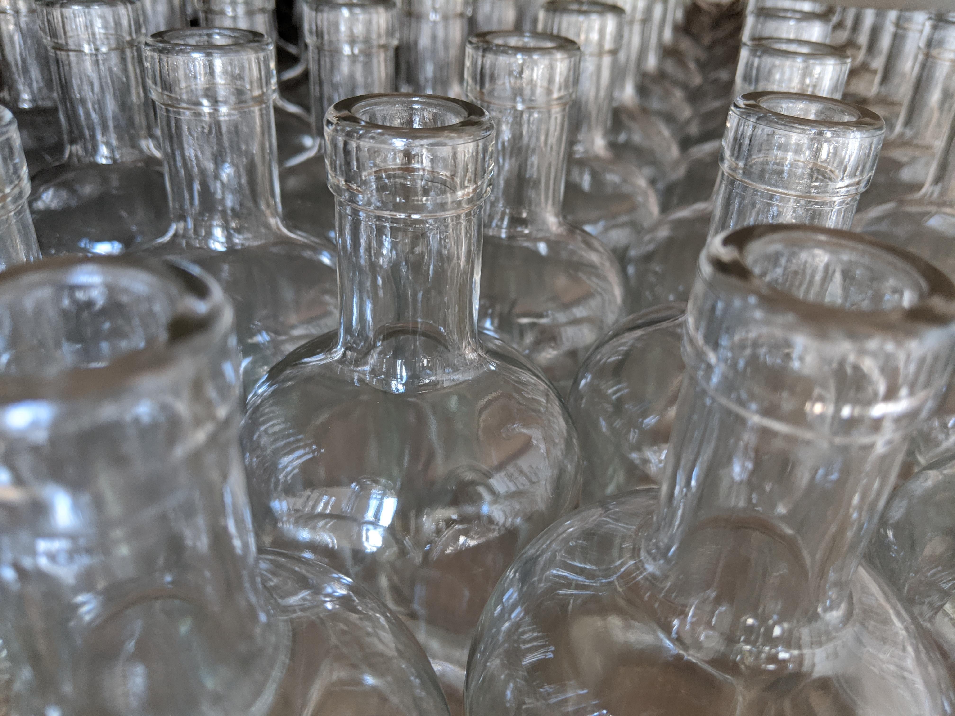 https://0901.nccdn.net/4_2/000/000/060/85f/bouteilles-web.jpg