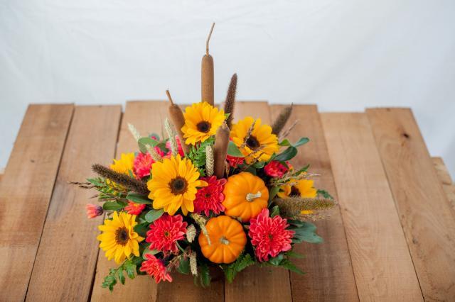 Thanksgiving_Table_Centre-Port_Alberni.jpg