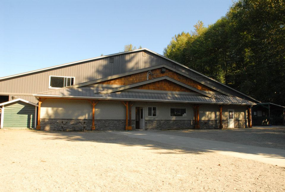 https://0901.nccdn.net/4_2/000/000/064/d40/Front-of-Barn.jpg