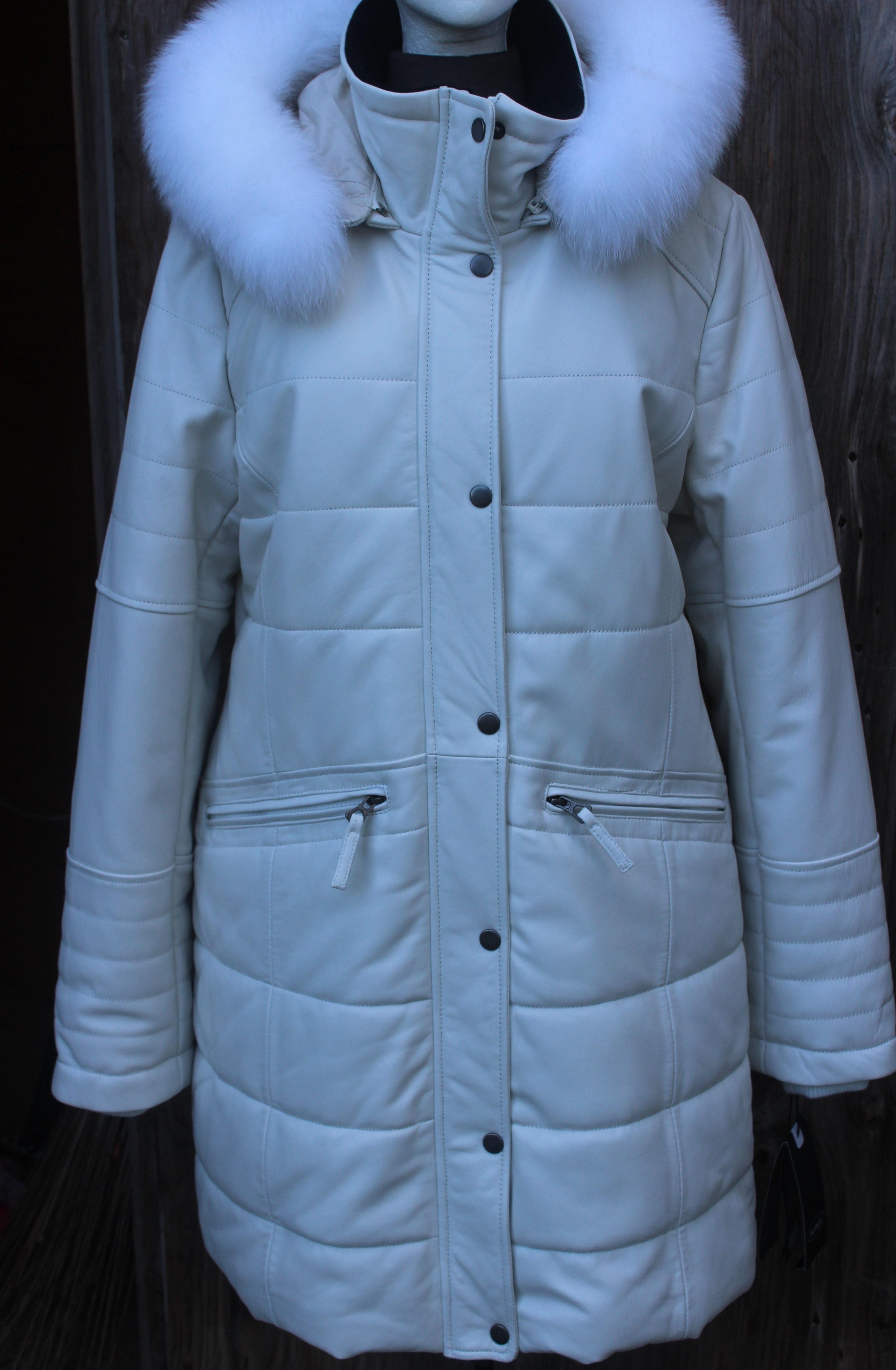 White- $599.95 Plonge; Style #30670W