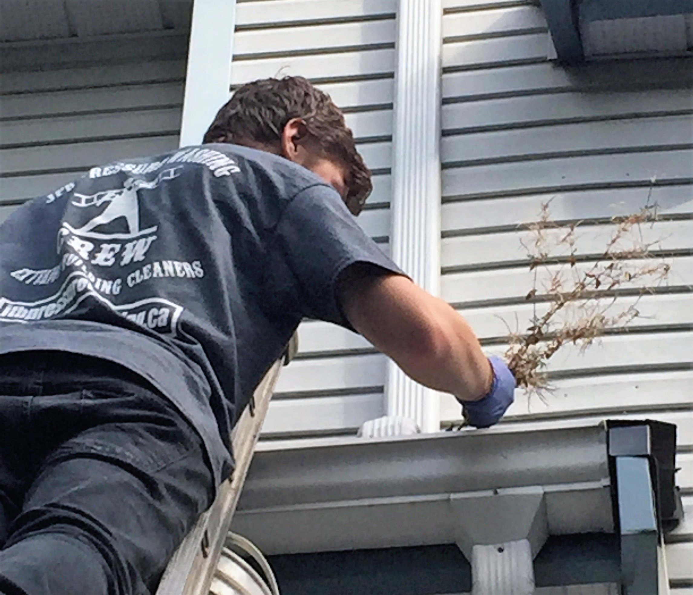 interior gutter cleaning by hand