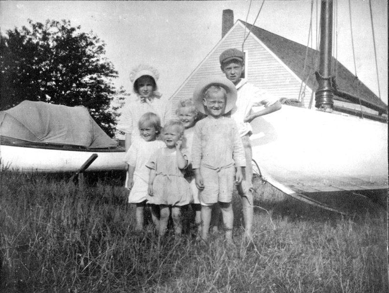 The six children (I believe)