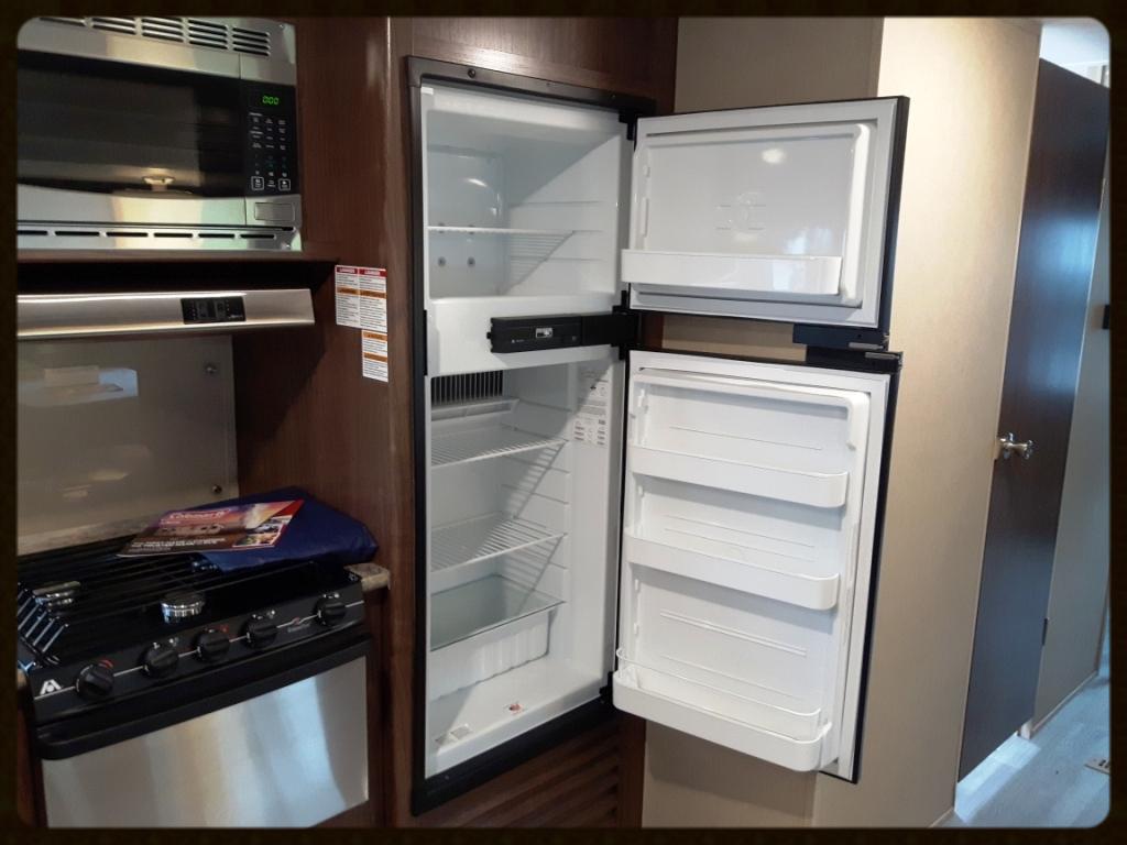 Coleman 3015BH Travel Trailer kitchen