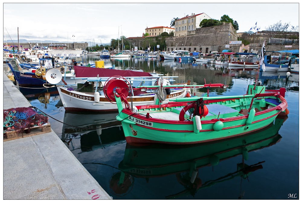 Le port Tino-Rossi Ajaccio, Corse - Avri 2010
