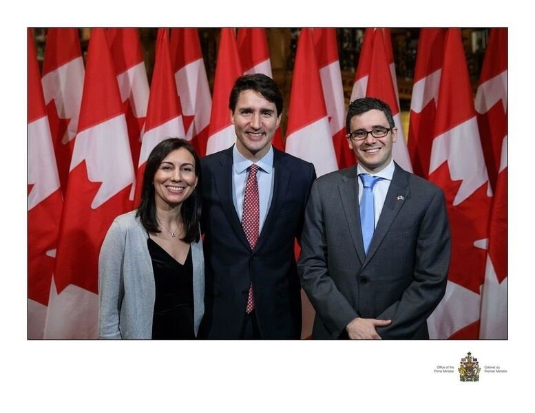 https://0901.nccdn.net/4_2/000/000/06b/a1b/X-Mas-Dinner-Trudeau-and-Vidal-777x600.jpg