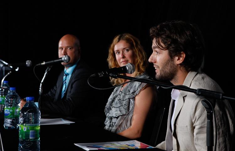 Philippe-A Lehoux,  Julie Lemieux et  Patrick Baril lors de la  Conférence de presse  sur le Bivouac urbain  Québec 5 juillet 2011 TlX1472