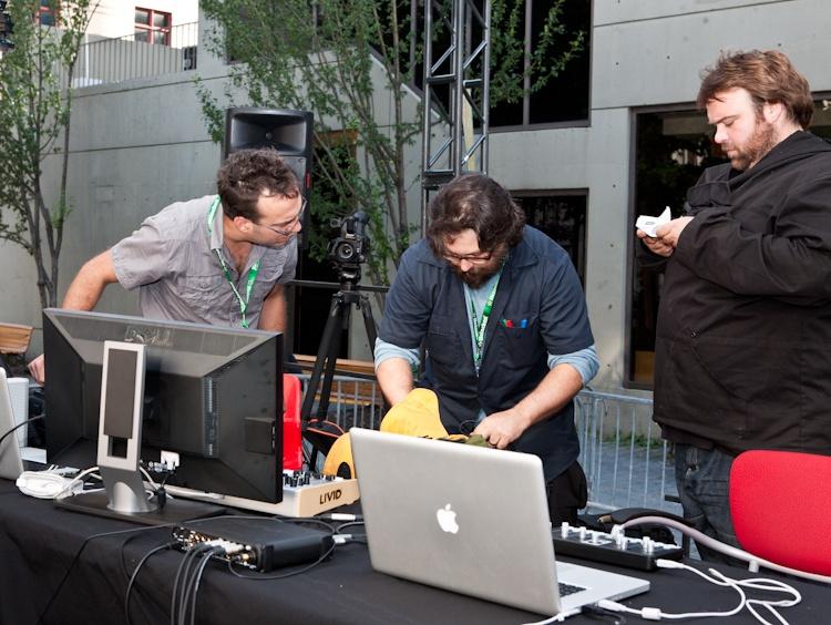 Créateurs de la  Kyrielle des chiens  Martin Bureau, Jean-  François Dugas et  Erick D'Orion 4 août 2011 X2755