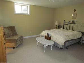 https://0901.nccdn.net/4_2/000/000/06b/a1b/bsmt-bedroom.jpg