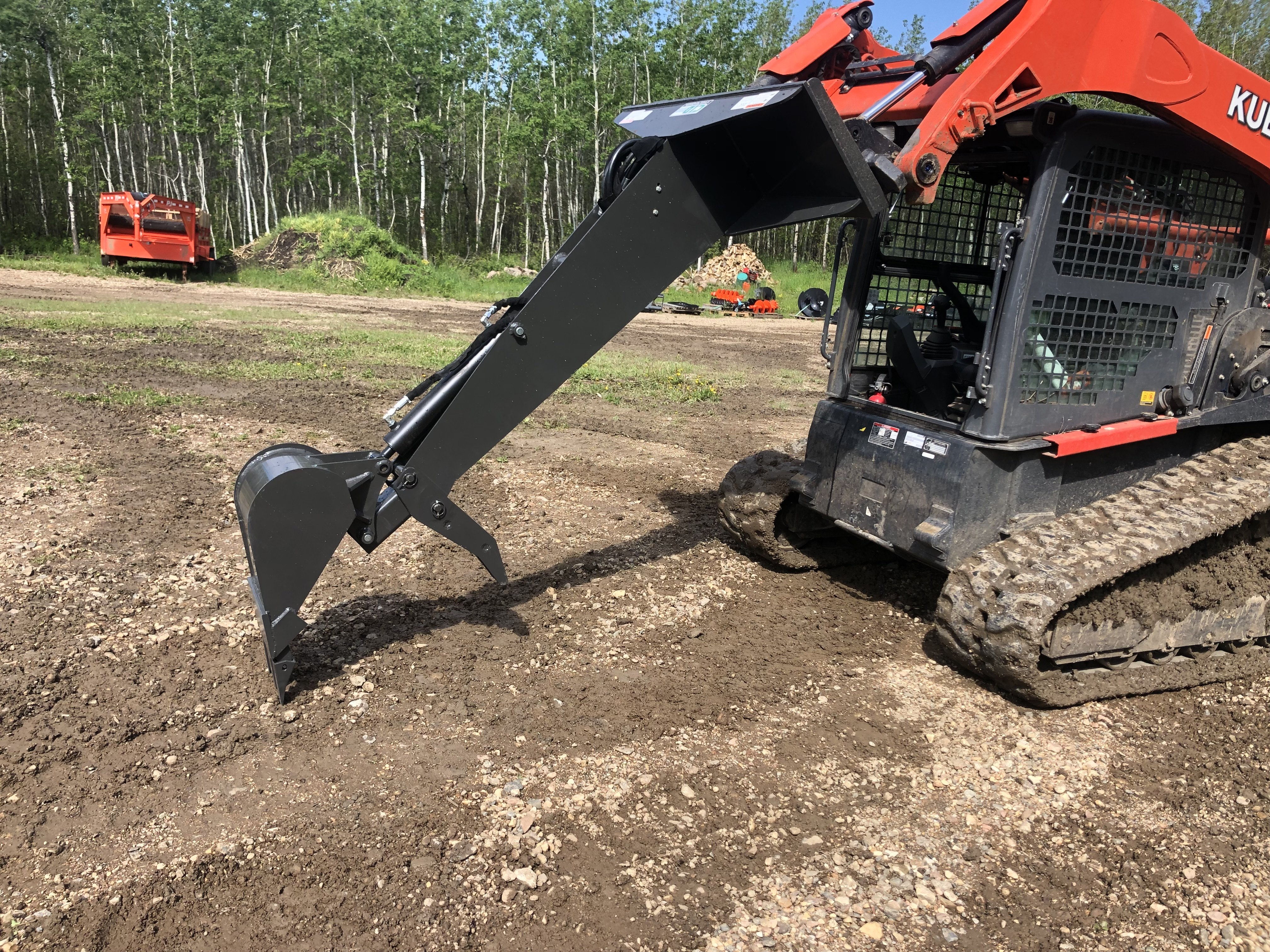 CID backhoe attachment with thumb.  7' reach.