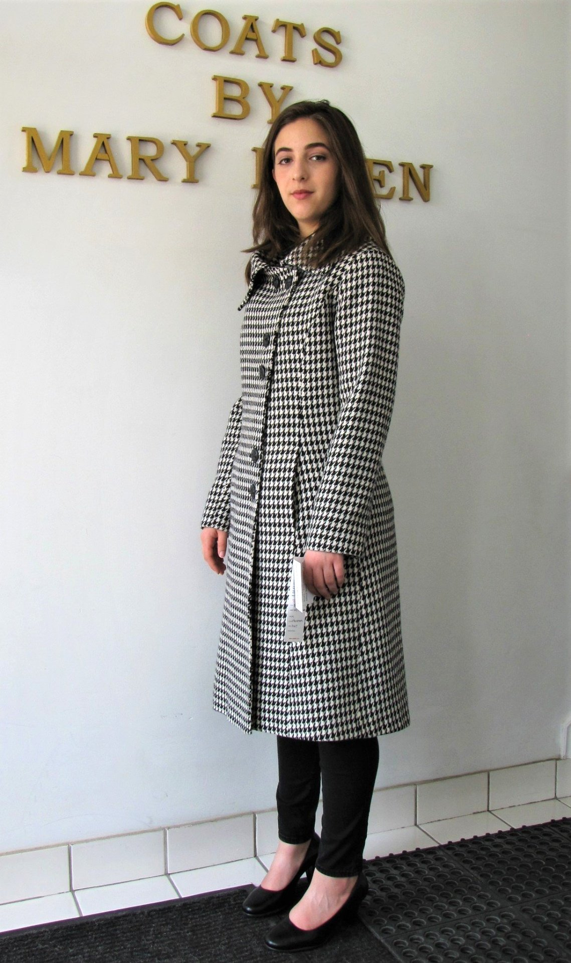 Style #B6292 Houndstooth Pattern 100% Pure Virgin Wool.  Side View