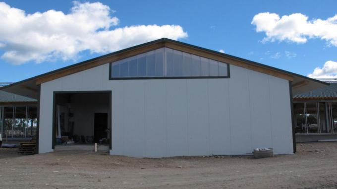2013 Renfrew - Robot dairy barn / melkhouse / pump house