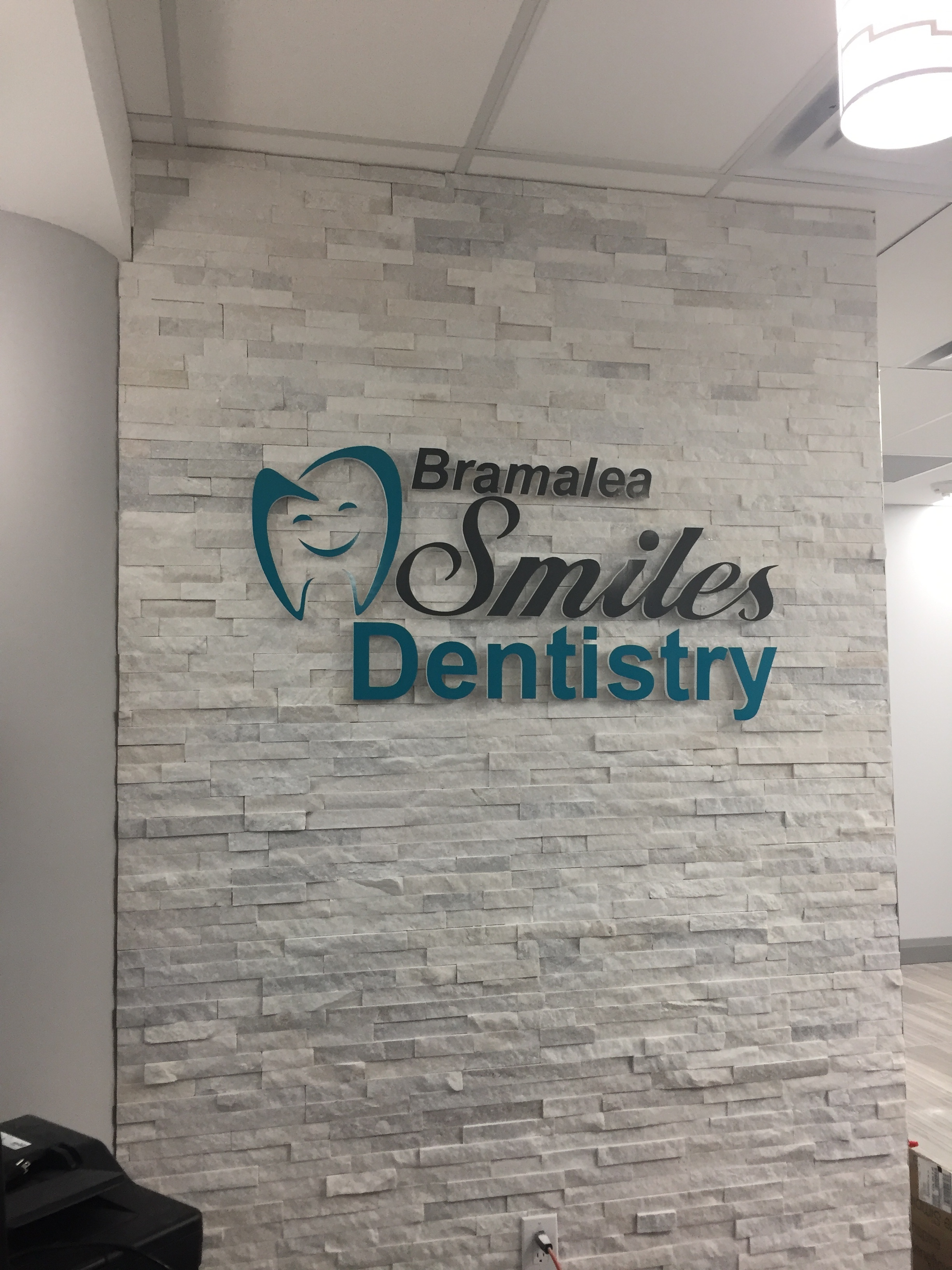 https://0901.nccdn.net/4_2/000/000/071/260/bram-smiles-dentistry-2448x3264.jpg