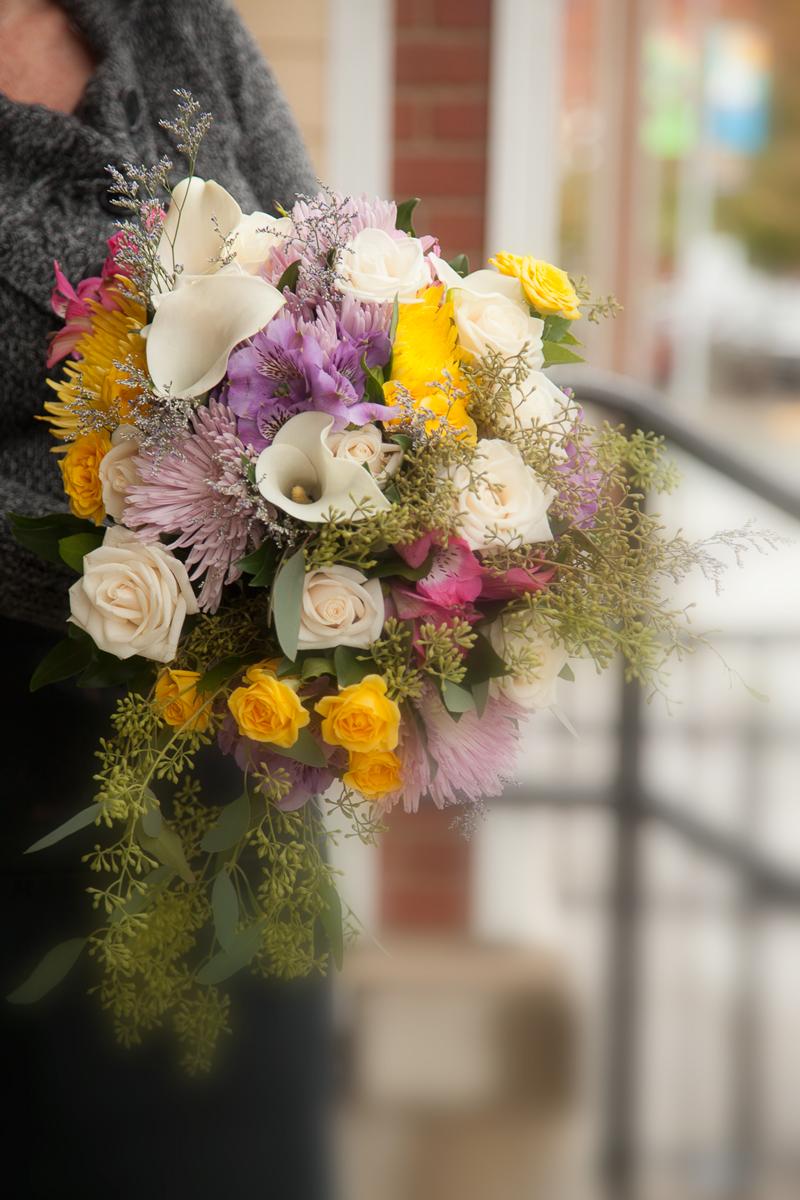 https://0901.nccdn.net/4_2/000/000/071/260/wedding_bridal_bouquet-8736b.jpg