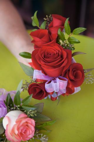 https://0901.nccdn.net/4_2/000/000/071/260/zz-wedding_boutinerre_port_alberni_20161112d.jpg
