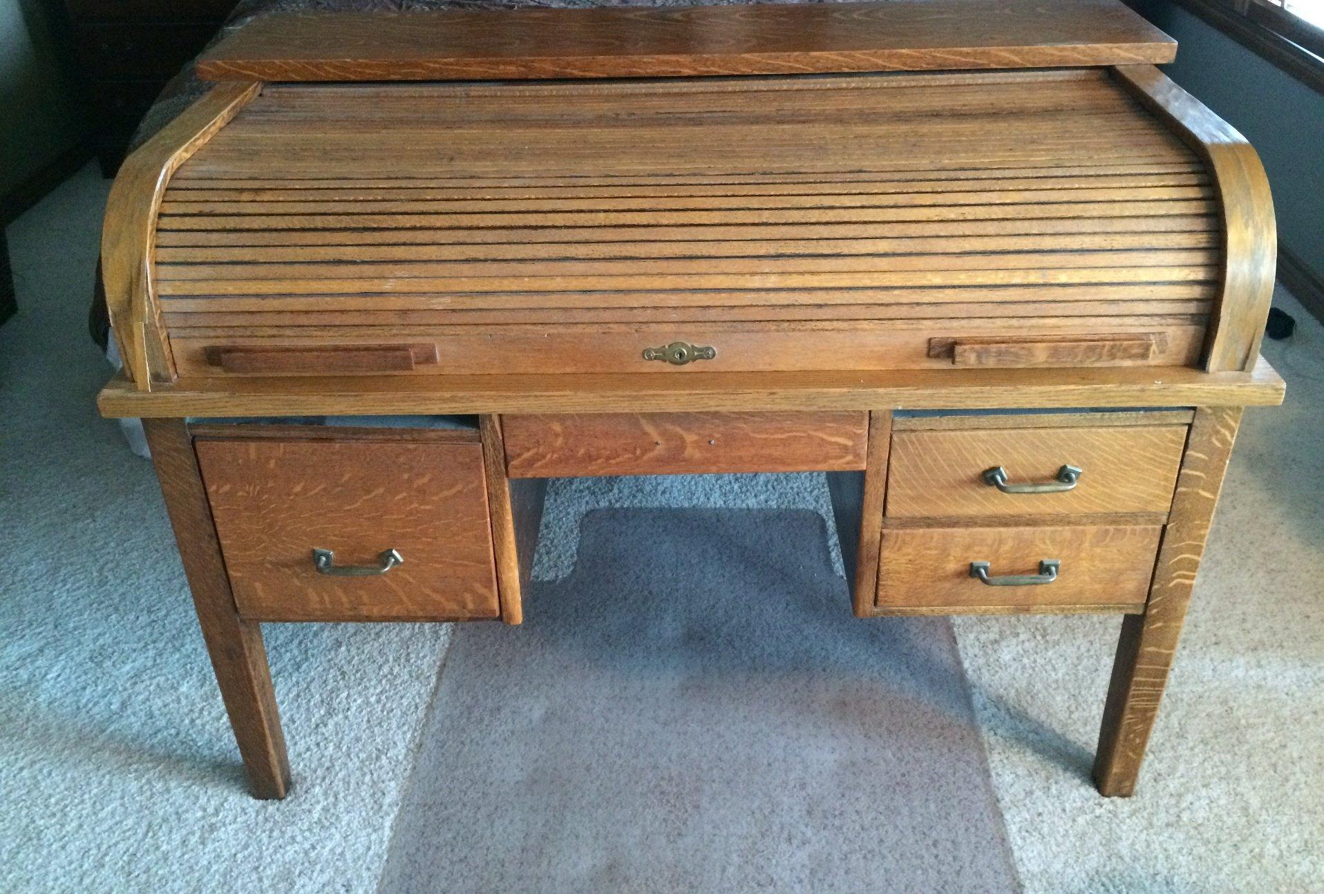 Before: Bad veneer, drawers, structure