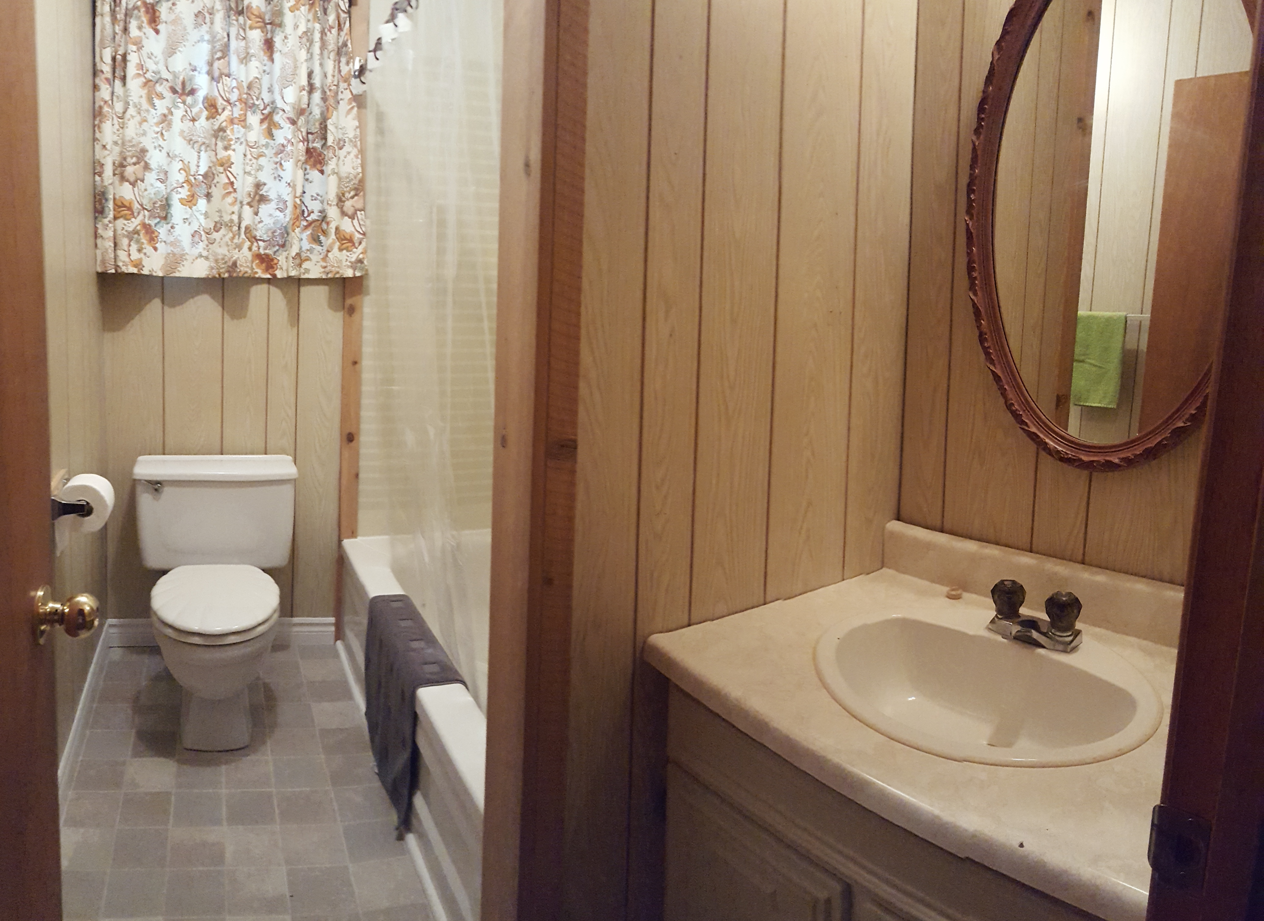 https://0901.nccdn.net/4_2/000/000/076/de9/Cottage-8---bathroom.jpg