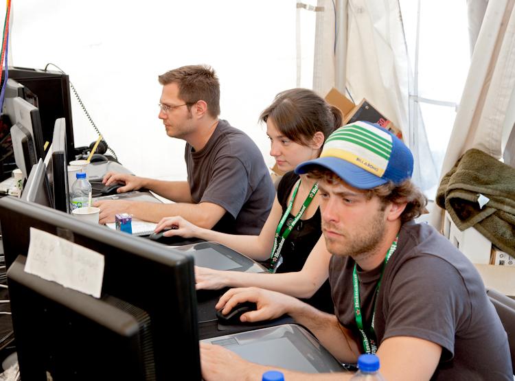 Quelques participants  à lloeuvre  5 août 2011 X3114