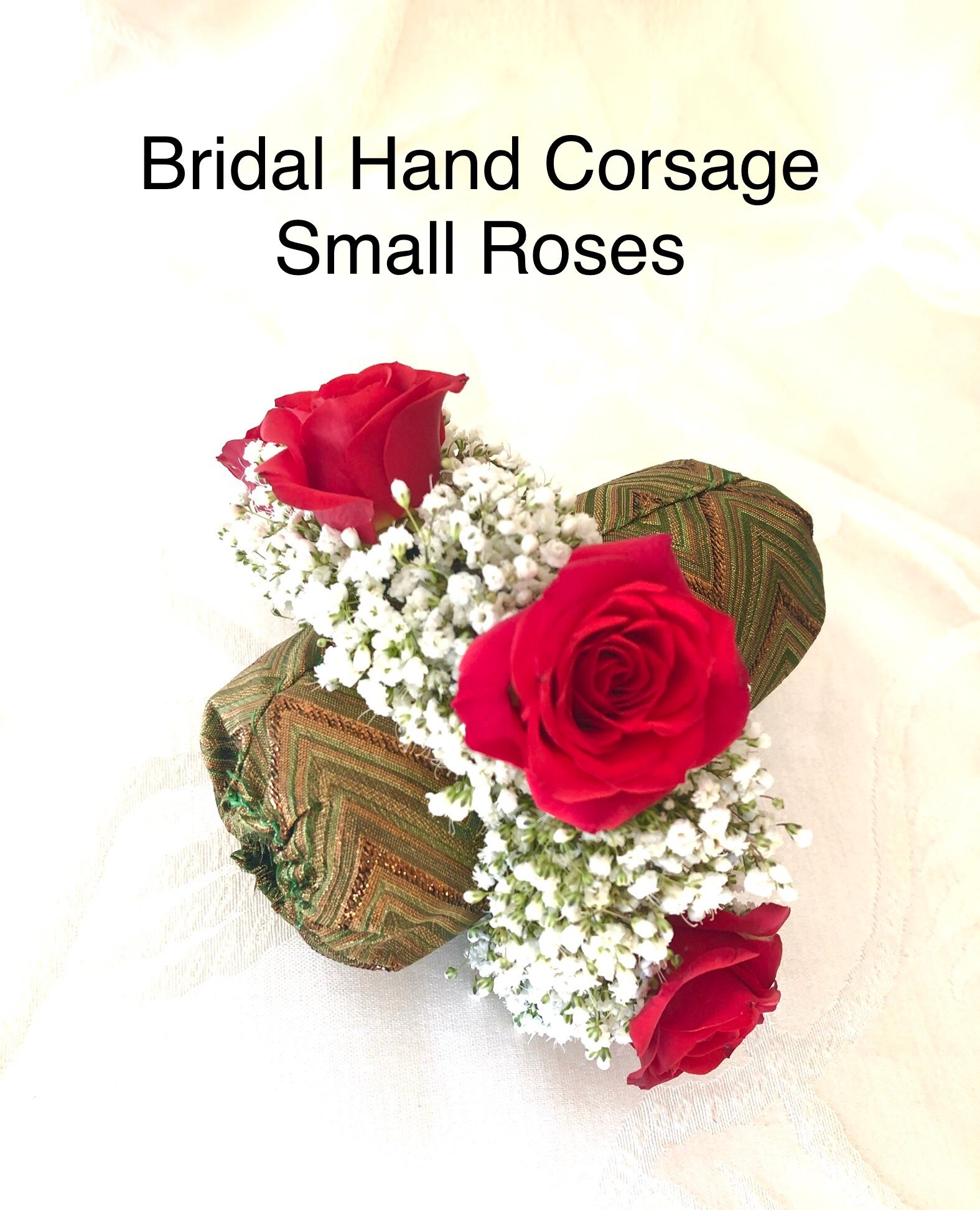 Hand Corsages   Toronto Mississauga   LAILA DECO